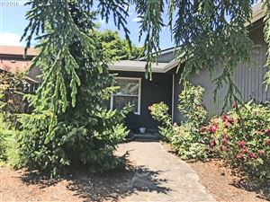 Photo of 809 MARIE AVE, Newberg, OR 97132 (MLS # 19353607)