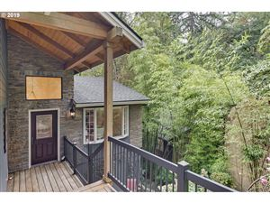 Photo of 730 SW WESTWOOD DR, Portland, OR 97239 (MLS # 19293610)