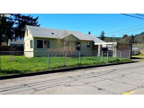 Photo of 76384 ROCK RD, Oakridge, OR 97463 (MLS # 20669610)