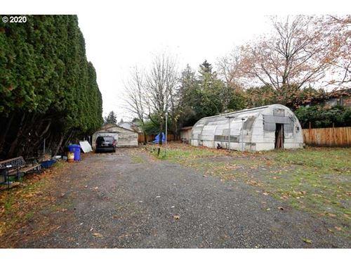 Photo of 10304 NE BEECH ST, Portland, OR 97220 (MLS # 20257611)