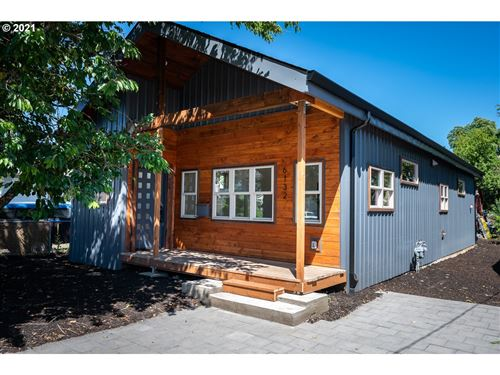 Photo of 6132 SE 91ST AVE, Portland, OR 97266 (MLS # 21431613)