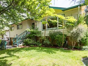 Photo of 7343 SW NEVADA TER, Portland, OR 97219 (MLS # 19448614)