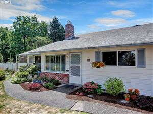 Photo of 2451 SE LAKE RD, Milwaukie, OR 97222 (MLS # 19642614)