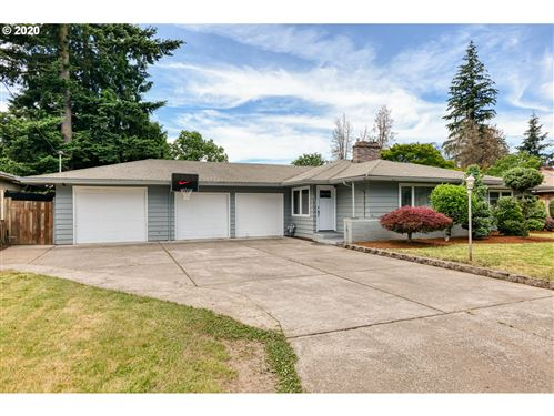 Photo of 2315 SE 157TH AVE, Portland, OR 97233 (MLS # 20414614)