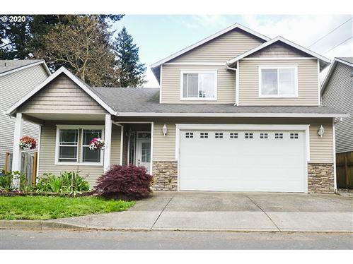 Photo of 528 NE 200TH PL, Portland, OR 97230 (MLS # 20466614)