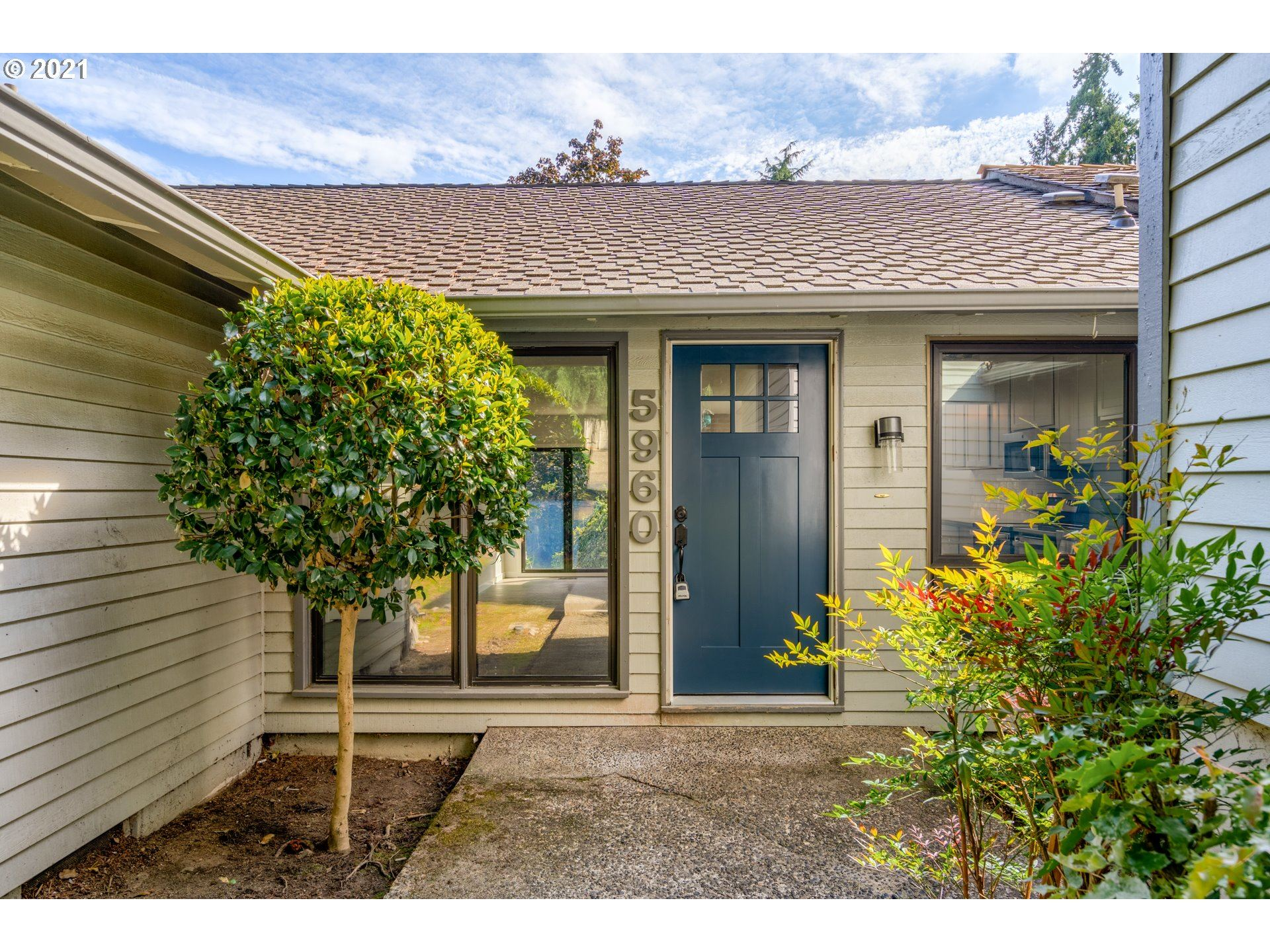 Photo of 5960 SW 152ND AVE, Beaverton, OR 97007 (MLS # 21305614)