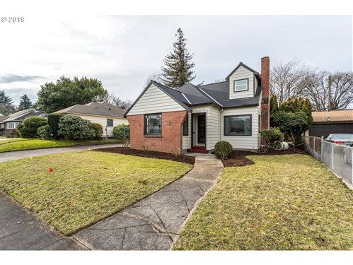 Photo of 7419 N WASHBURNE AVE, Portland, OR 97217 (MLS # 19025616)