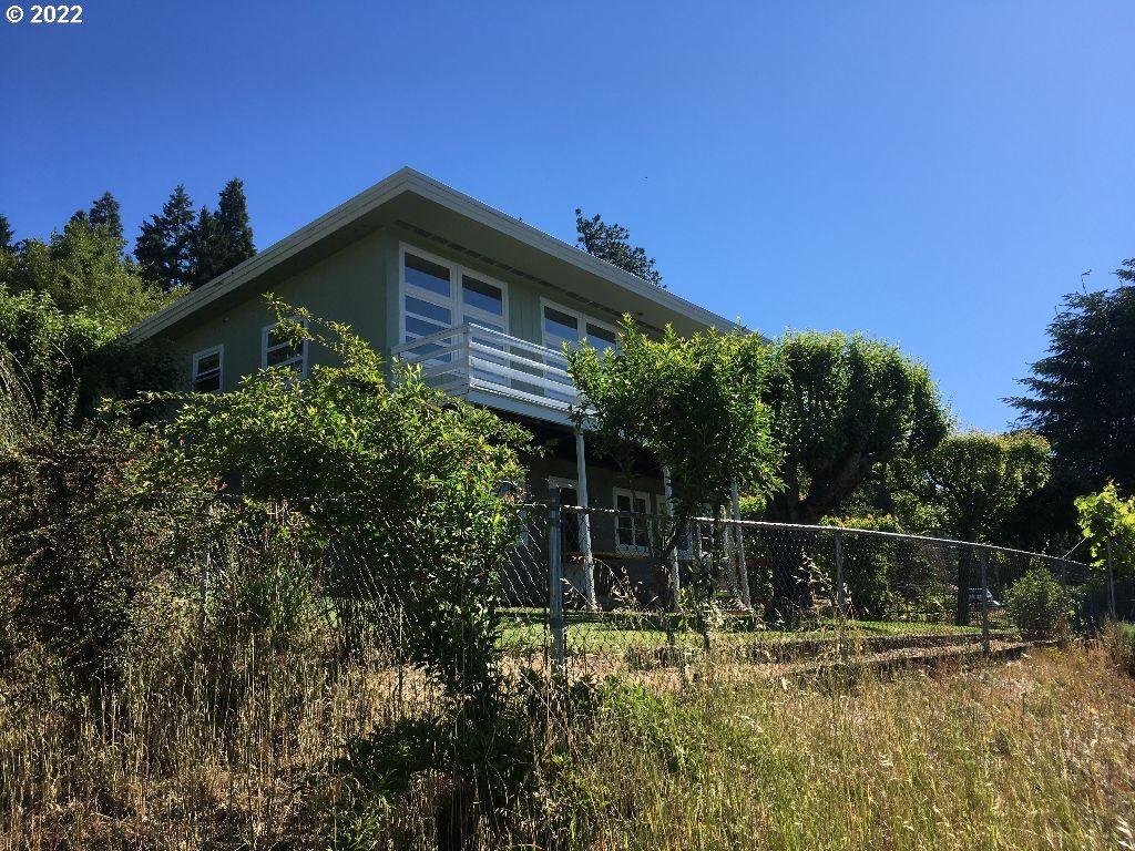 Photo for 48400 E 2ND ST, Oakridge, OR 97463 (MLS # 21445616)
