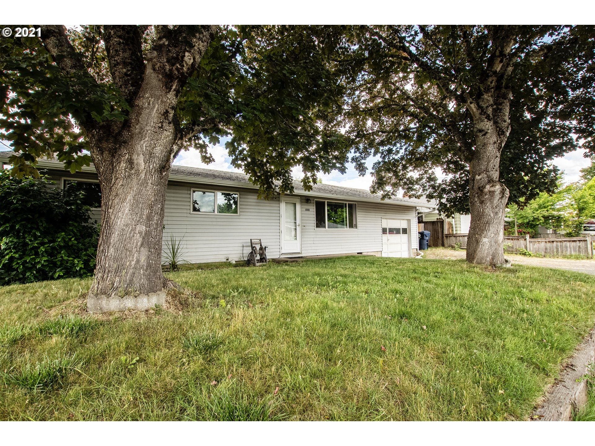 Photo for 1410 W QUINALT ST, Springfield, OR 97477 (MLS # 21478616)