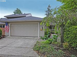 Photo of 31476 SW OLD FARM RD, Wilsonville, OR 97070 (MLS # 19433617)