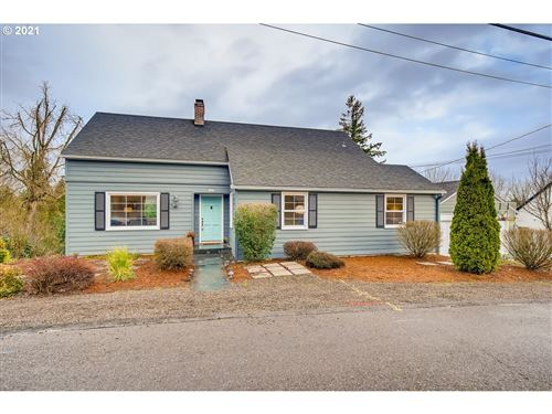 Photo of 7200 SW 8TH AVE, Portland, OR 97219 (MLS # 21229617)