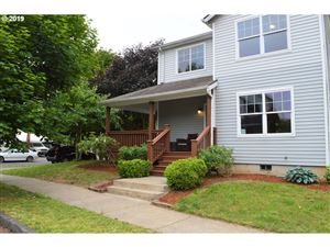Photo of 8312 N JOHNSWOOD DR, Portland, OR 97203 (MLS # 19534618)