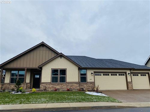 Photo of 1035 N DOUGLAS ST, Canby, OR 97013 (MLS # 20570619)