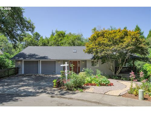 Photo of 11734 SW FAIRVIEW LN, Tigard, OR 97223 (MLS # 20235625)