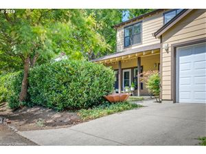 Photo of 5717 SW 54TH AVE, Portland, OR 97221 (MLS # 19088629)