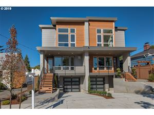 Photo of 4129 SE EVERGREEN ST, Portland, OR 97202 (MLS # 19214629)