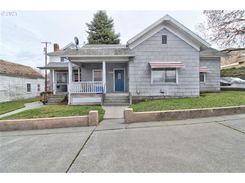 Photo of 1012 UNION, The Dalles, OR 97058 (MLS # 21587629)