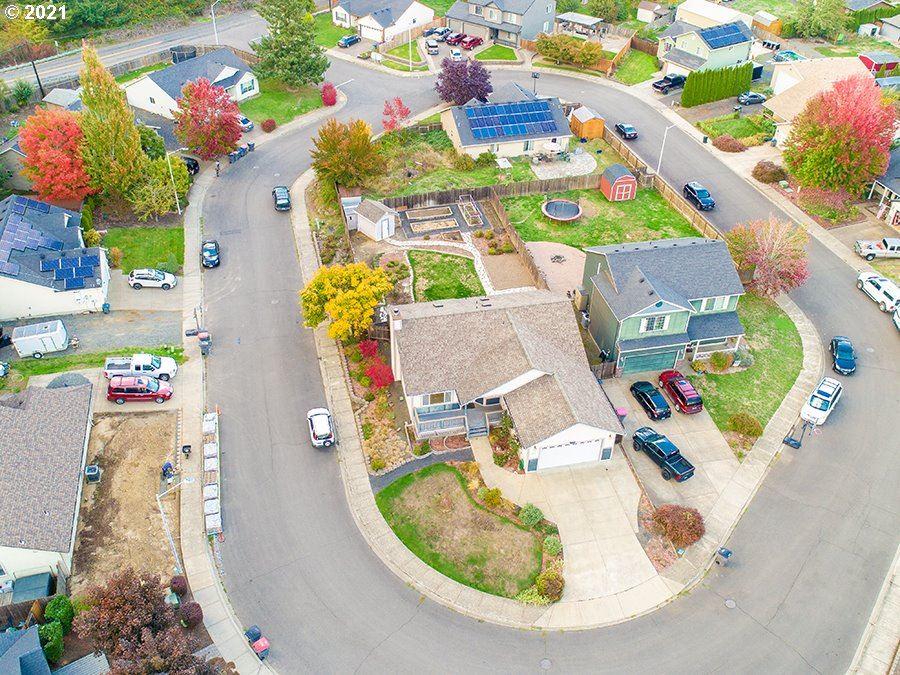 Photo of 813 HOWARD JORDAN LOOP, Dayton, OR 97114 (MLS # 21025629)