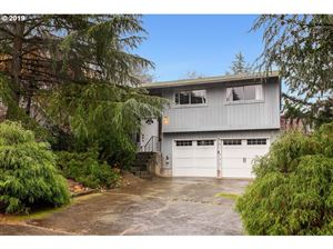 Photo of 39260 BARKER CT, Sandy, OR 97055 (MLS # 19164630)
