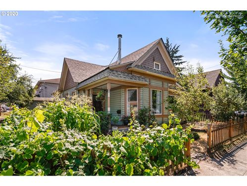 Photo of 6060 NE GLISAN ST, Portland, OR 97213 (MLS # 20037630)