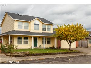 Photo of 432 SE 8TH AVE, Canby, OR 97013 (MLS # 19354633)