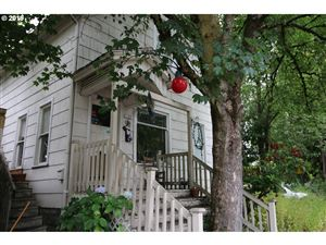 Photo of 1121 SE LINCOLN ST, Portland, OR 97214 (MLS # 19520633)