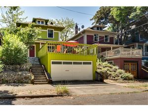 Photo of 2422 SE YAMHILL ST, Portland, OR 97214 (MLS # 19511636)