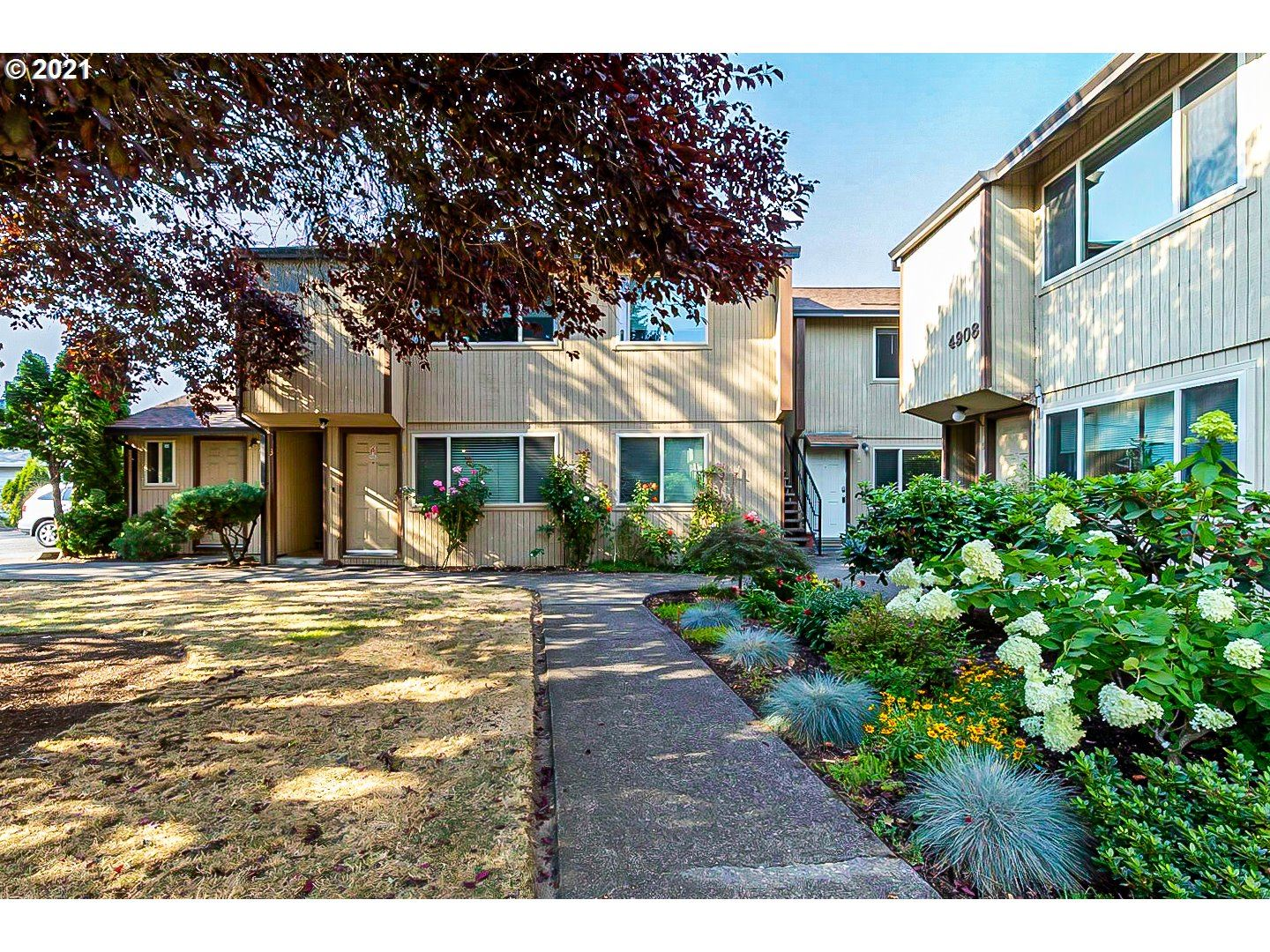 Photo of 4904 SW FRANKLIN AVE #2, Beaverton, OR 97005 (MLS # 21446637)