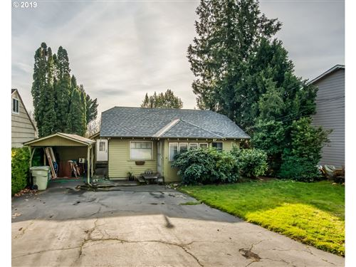 Photo of 11290 SW CENTER ST, Beaverton, OR 97005 (MLS # 19017638)