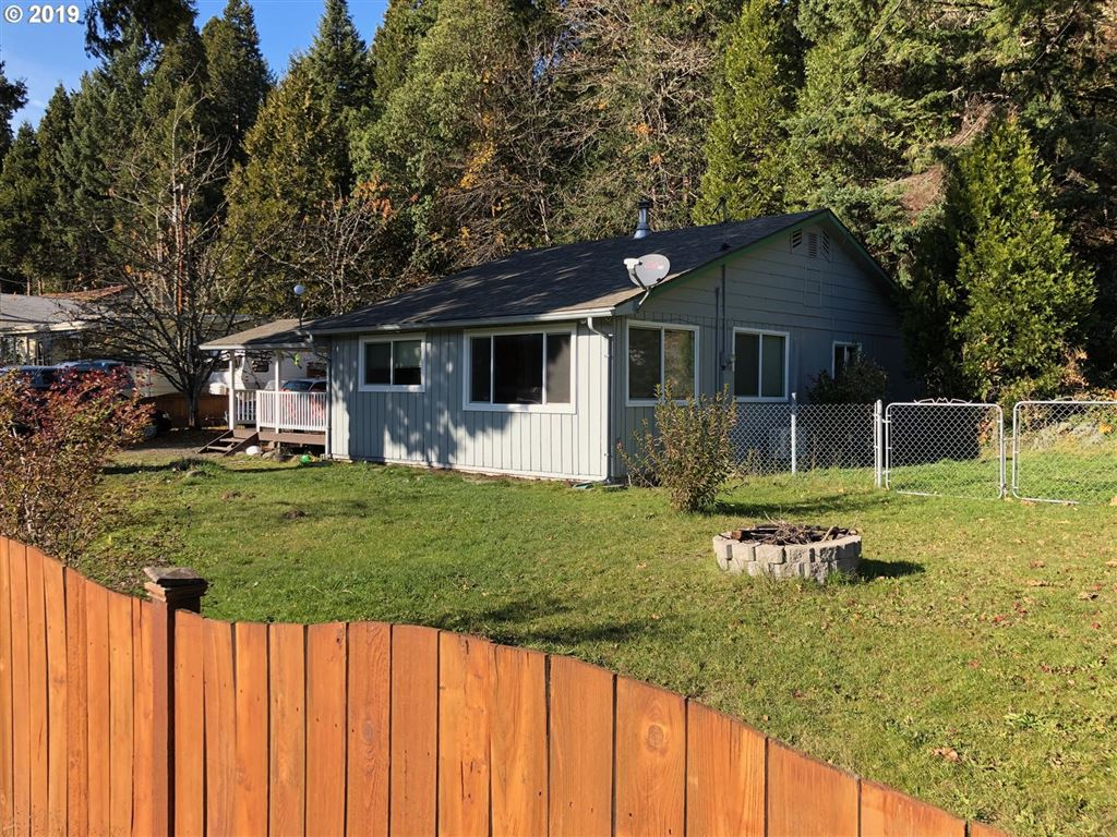 Photo for 48015 W 2ND ST, Oakridge, OR 97463 (MLS # 19600640)