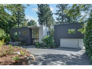 Photo of 445 NW SKYLINE BLVD, Portland, OR 97229 (MLS # 19079641)