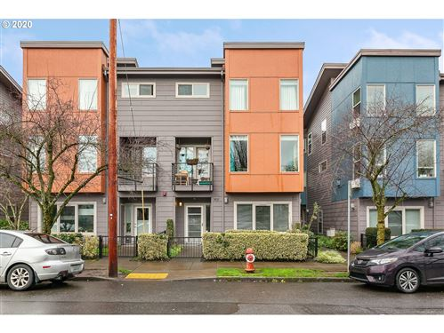 Photo of 8015 N LEAVITT AVE #10-3, Portland, OR 97203 (MLS # 20411644)