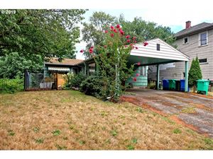 Photo of 3352 SE 8TH AVE, Portland, OR 97202 (MLS # 19403647)
