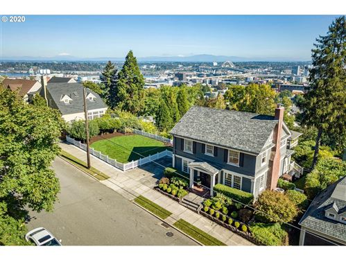 Photo of 2663 NW WESTOVER RD #B, Portland, OR 97210 (MLS # 20429648)
