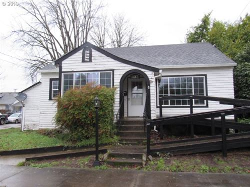 Photo of 137 NW 9TH ST, McMinnville, OR 97128 (MLS # 19118650)