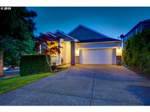 Photo of 13594 SW WRIGHTWOOD CT, Tigard, OR 97224 (MLS # 19588654)