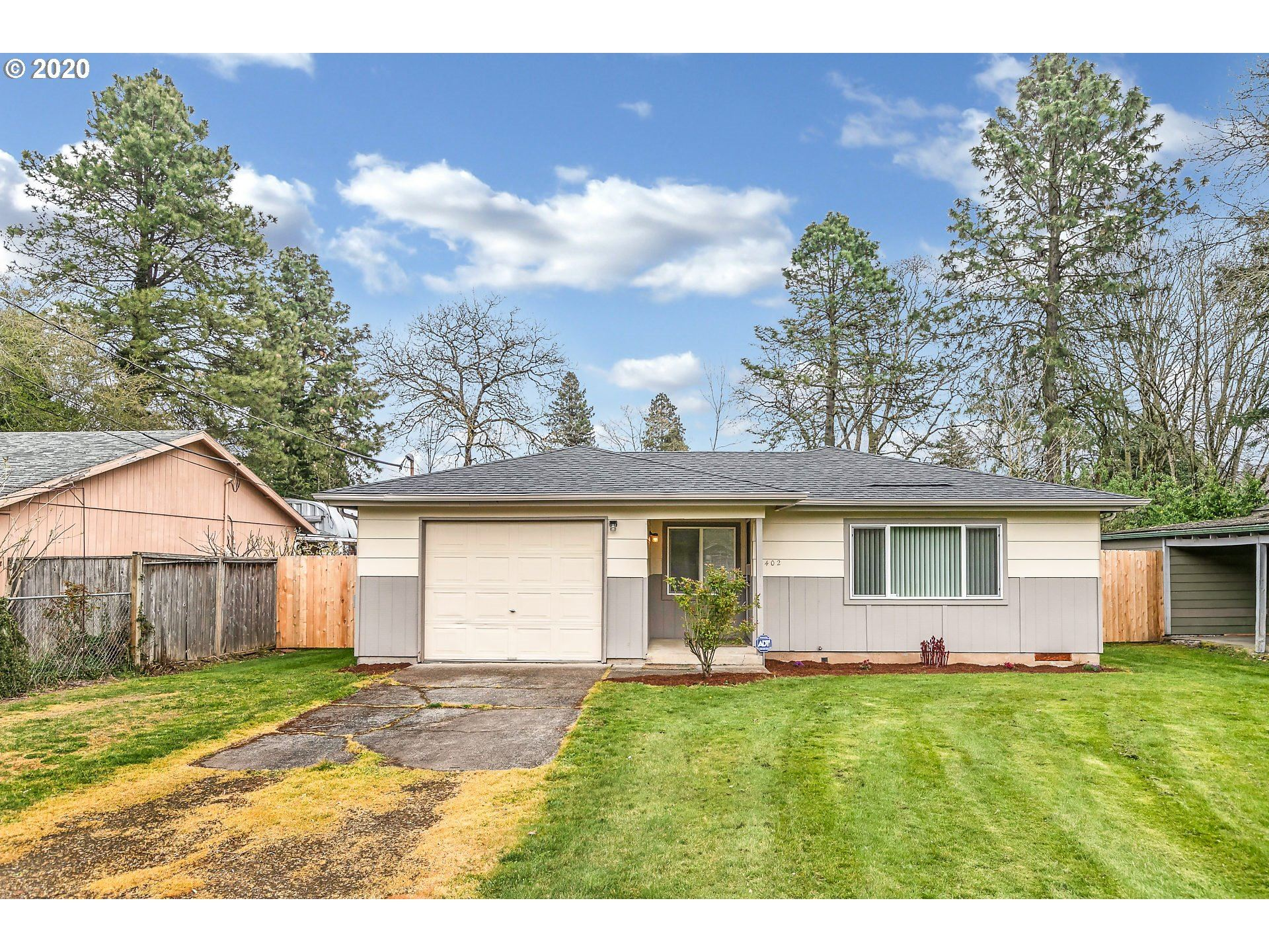 2402 SE 90TH AVE, Portland, OR 97216 - MLS#: 20485654