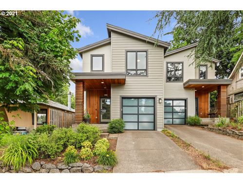 Photo of 8558 SW 20TH AVE, Portland, OR 97219 (MLS # 21177655)