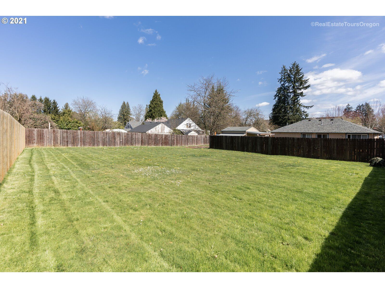 Photo of 2324 MAIN ST, Forest Grove, OR 97116 (MLS # 21365658)