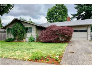 Photo of 17125 SE MARKET ST, Portland, OR 97233 (MLS # 19557659)