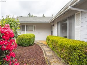 Photo of 16580 SW QUEEN MARY AVE, King City, OR 97224 (MLS # 19126662)