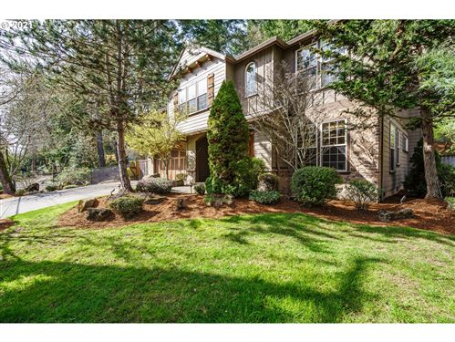 Photo of 19233 INDIAN SPRINGS RD, Lake Oswego, OR 97035 (MLS # 21489663)