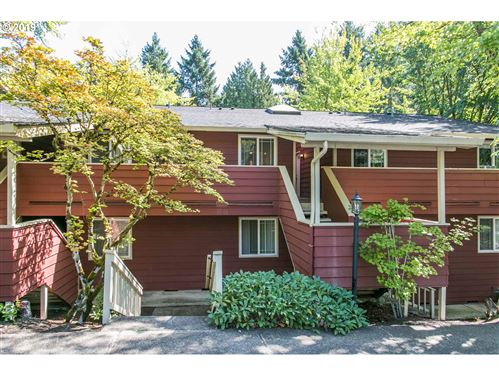 Photo of 29700 SW COURTSIDE DR #28, Wilsonville, OR 97070 (MLS # 20167666)