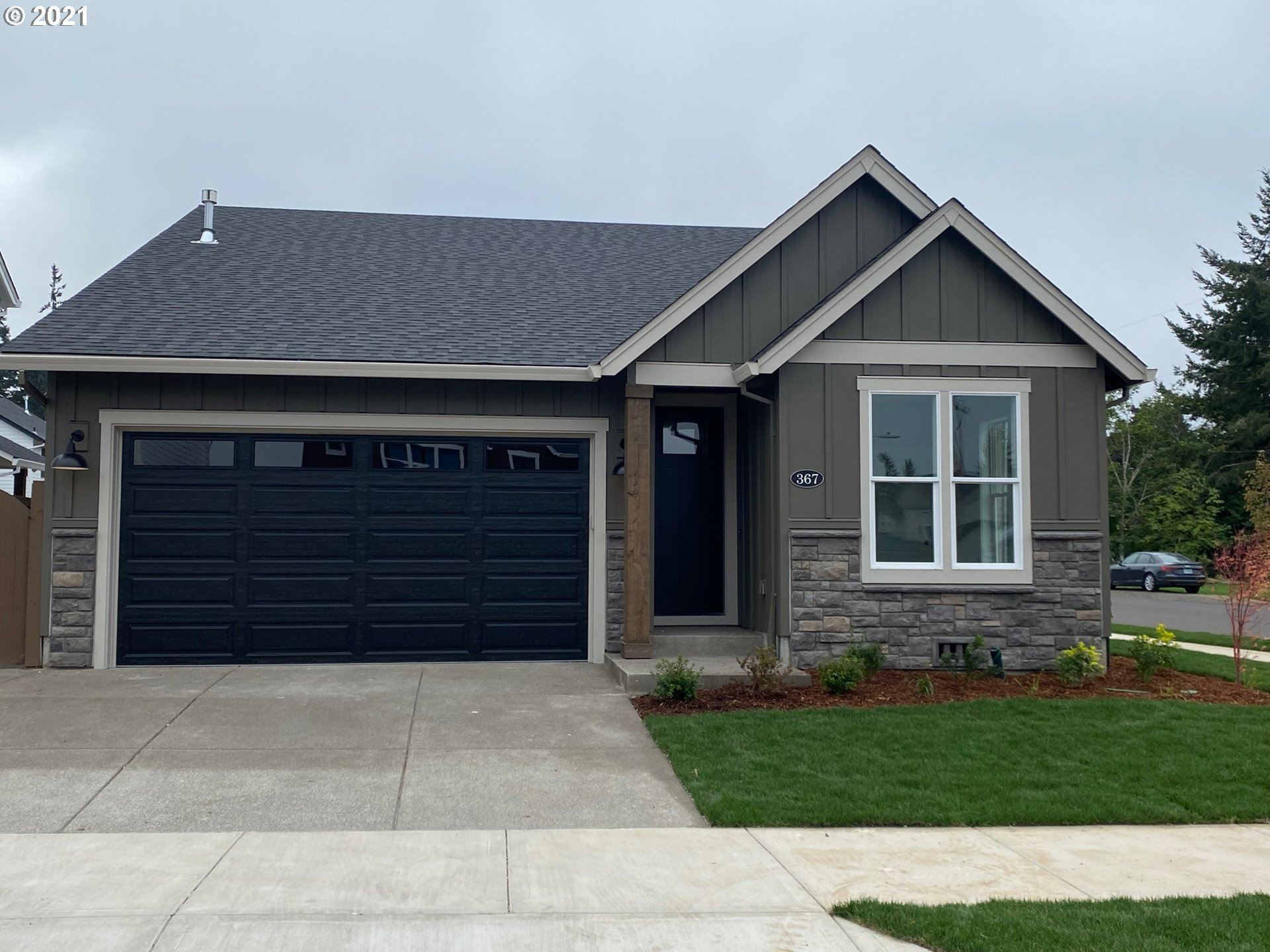 Photo of 367 SW 18th AVE, Canby, OR 97013 (MLS # 21265668)