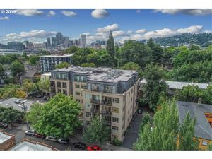 Photo of 1930 NW IRVING ST 404 #404, Portland, OR 97209 (MLS # 19183669)