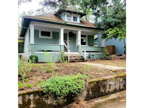 Photo of 6226 NE 32ND AVE, Portland, OR 97211 (MLS # 21374669)