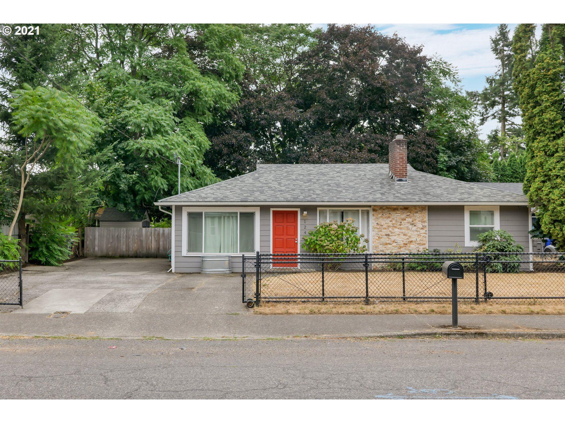 12404 SE MARKET ST, Portland, OR 97233 - MLS#: 21155669