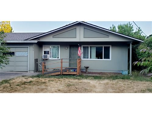Photo of 838 SW EDMUNSTON ST, McMinnville, OR 97128 (MLS # 21658670)