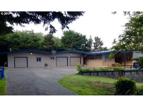 Photo of 1430 KING ST, Yachats, OR 97498 (MLS # 16687677)