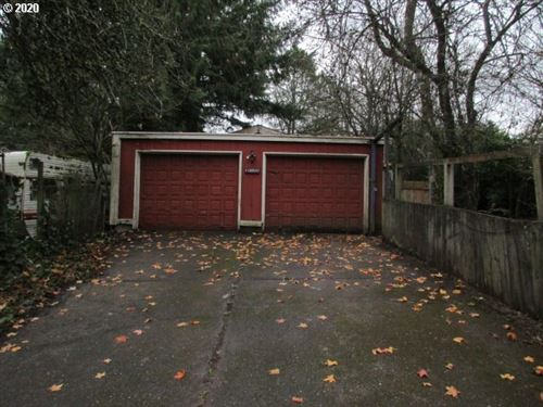 Photo of 10054 SW 35TH AVE, Portland, OR 97219 (MLS # 20257679)